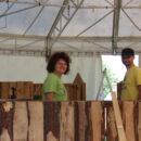 Helfer beim Aufbau  der Chreiselbar
